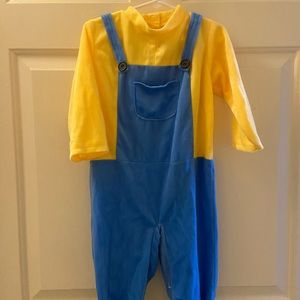 Gently used minion costume